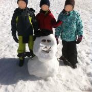 Snow man et les jeunes artistes