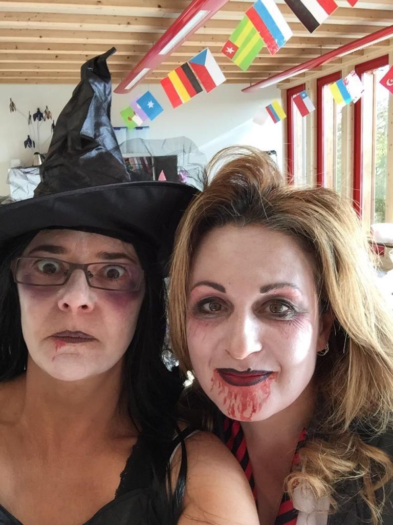Anabelle (à droite)